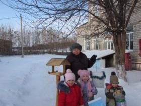 """Акция """"Двор для птиц"""" в детском саду с.Алегазово."""