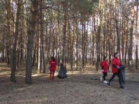 """Акция """"Чистый парк"""". Наступила весна и вот дан старт в реализации проекта """"Благоустройство парка в с.Алегазово""""."""