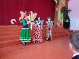 28 декабря в Доме Культуры села Алегазово прошёл новогодний бал-маскарад для людей «серебряного» возраста